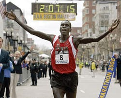 Robert Cheruiyot setting the Boston course record in 2006